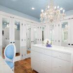 5 claves básicas para iluminar un vestidor