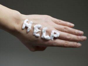 Cómo cuidar las manos envejecidas: trucos y consejos