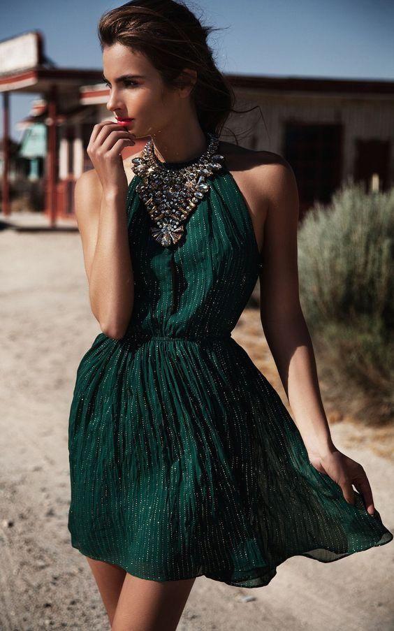Maquillaje vestido verde petroleo