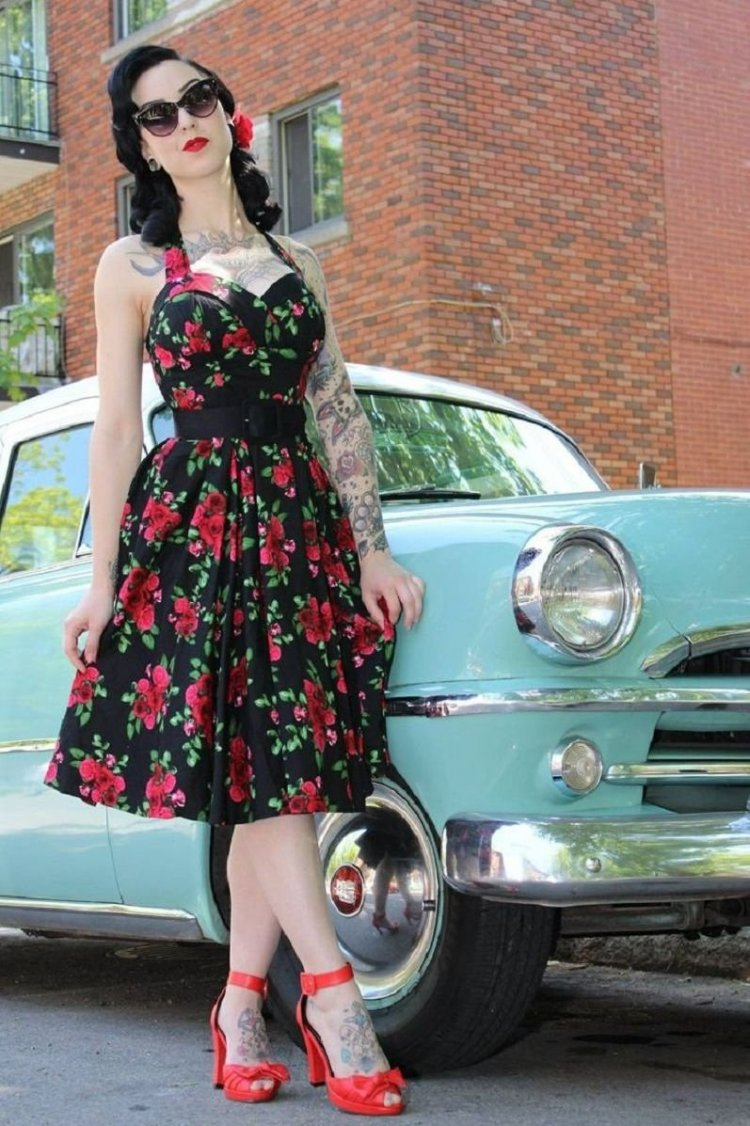 Estilismo pin up floral y atrevido