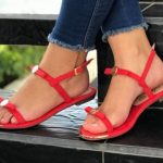 Las 8 mejores sandalias rojas planas de mujer