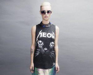 Las 7 mejores camisetas rockeras de mujer