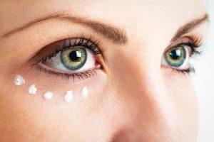 Los 7 mejores contornos de ojos a partir de los 40 años
